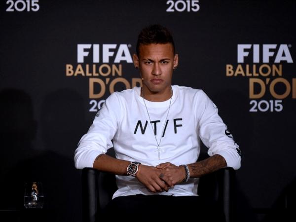 Mercado: Manchester United disposto a pagar 190 ME por Neymar