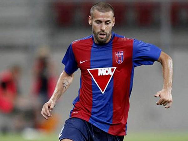 Futebolista espanhol assina por clube esloveno graças a anúncio no LinkedIn