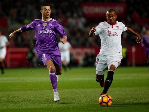 Espanha: Sevilha 'de luxo' vence Real Madrid e entra nas contas do título