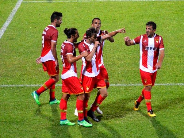 Sporting de Braga vence na apresentação do Desportivo das Aves aos associados