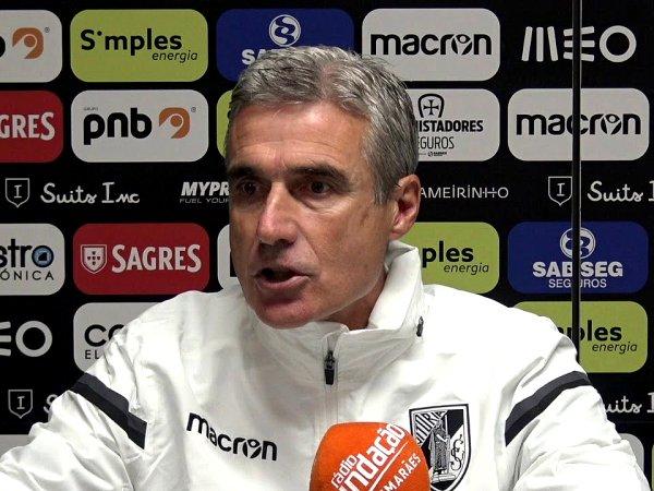 Luís Castro quer Vitória capaz de resistir à «desconfiança» frente ao Sporting