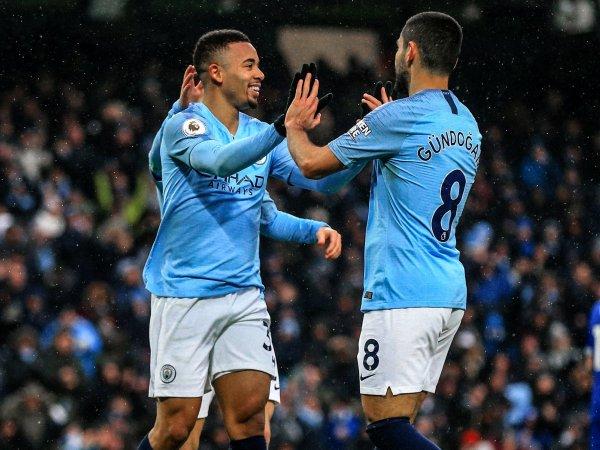 Inglaterra: Manchester City bate Everton e assume liderança provisória