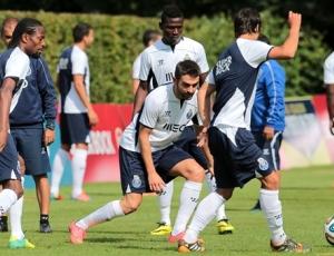 Helton e Opare à parte na preparação do FC Porto para Paços de Ferreira