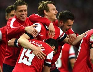Inglaterra: Liverpool volta a tropeçar, Arsenal derrota Sunderland