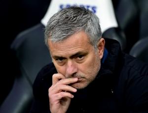 Inglaterra: Mourinho envergonhado com derrota e eliminação da Taça FA