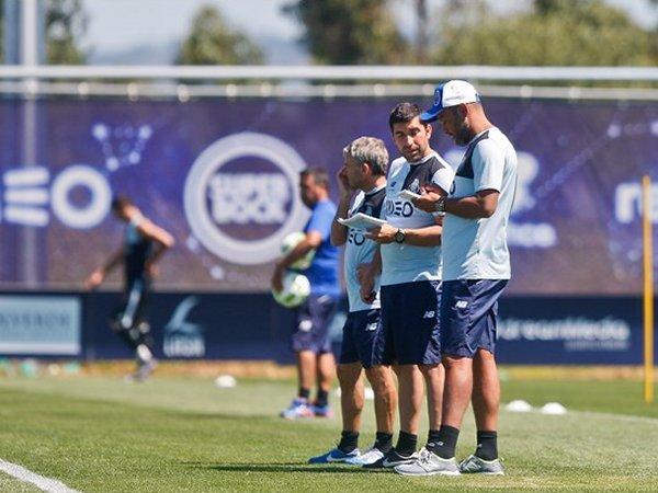 FC Porto: Marcano e Brahimi já treinam sem limitações